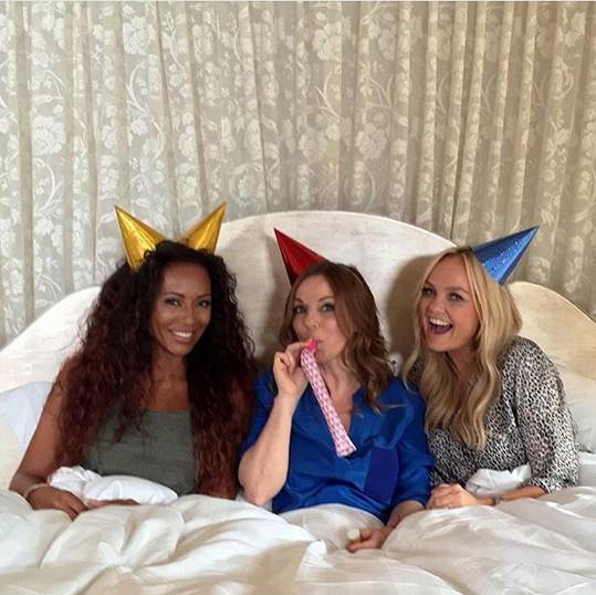 Mel B, Geri Halliwell a Emma Bunton na nedávné fotografii