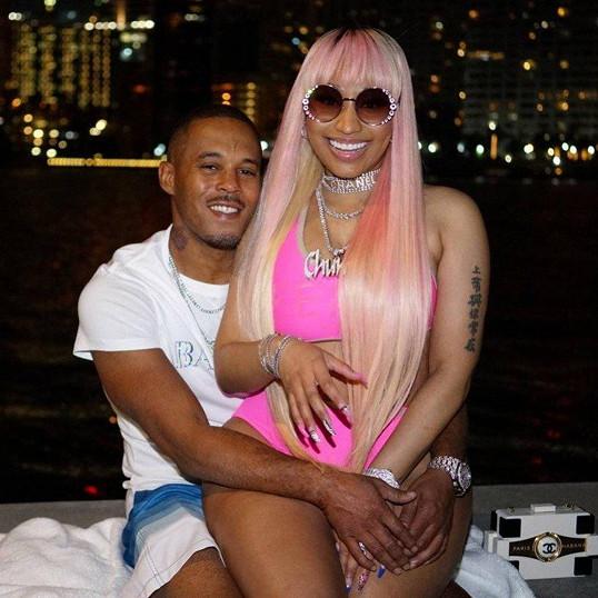 Nicki Minaj sex videa unikli
