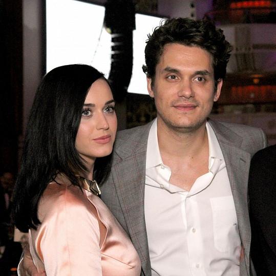 S Katy Perry se John několikrát rozešel a zase usmířil.