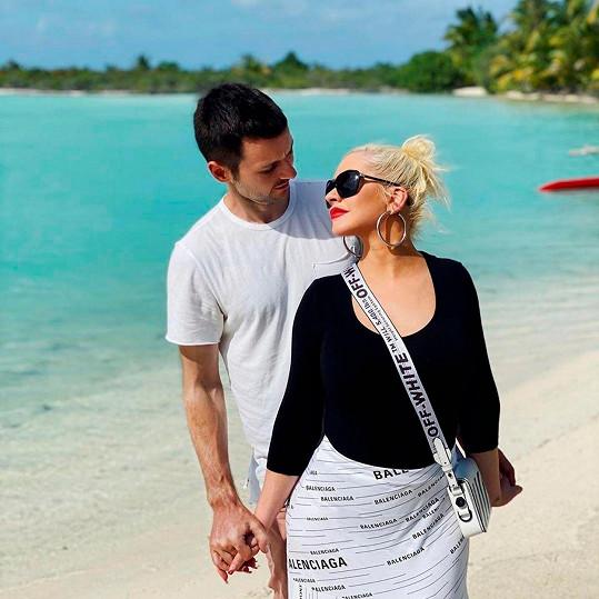 S partnerem Matthewem Rutlerem, se kterým je zasnoubená už šest let.