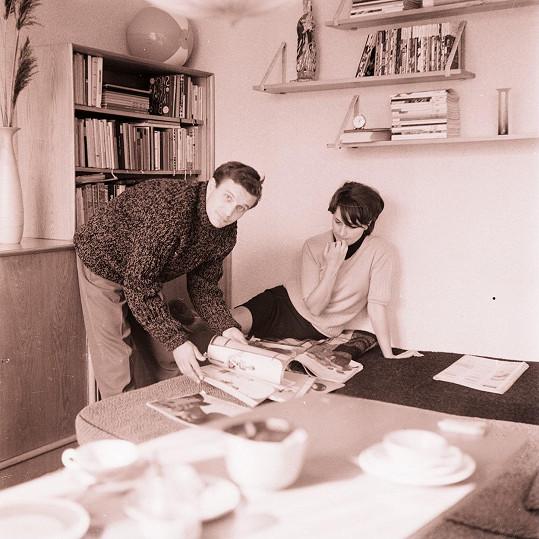 Jiří Suchý s první manželkou Bělou v roce 1964