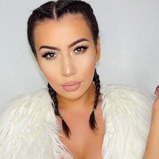 """Jelena Peric jako Kim Kardashian: Maskérka a kosmetička Jelena Peric (24) ze Záhřebu o své podobě s americkou reality star prohlásila: """"Často jsem srovnávána s Kardashian. Je to velký kompliment, nicméně někdy už je to opravdu nuda."""""""