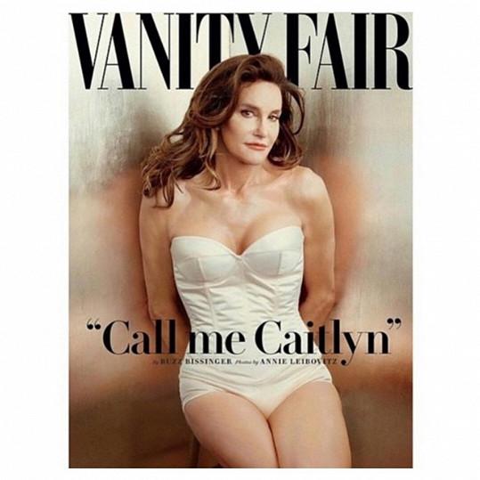 Proměnu v ženu oznámila fotkou na obálce módního časopisu.