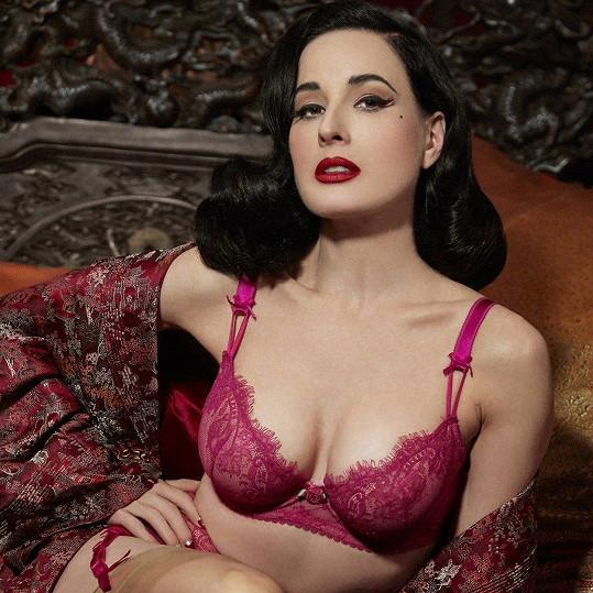 Propagovala vlastní značku sexy prádélka.