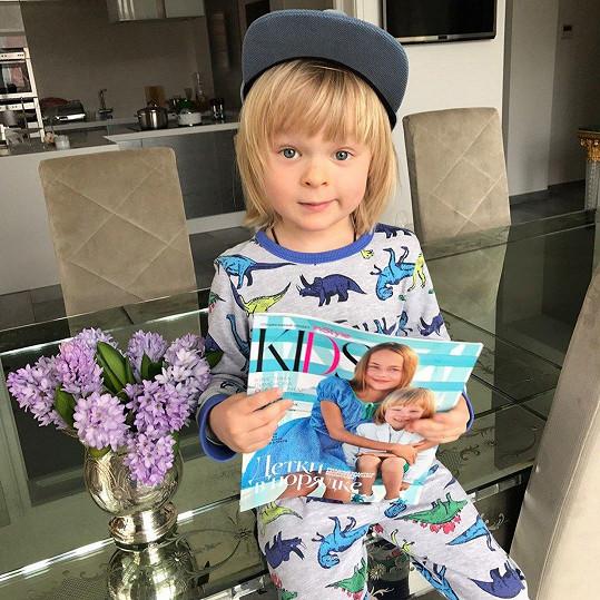 Alexander Pljuščenko je kouzelný chlapeček. Není divu, že boduje u modelingových agentů.