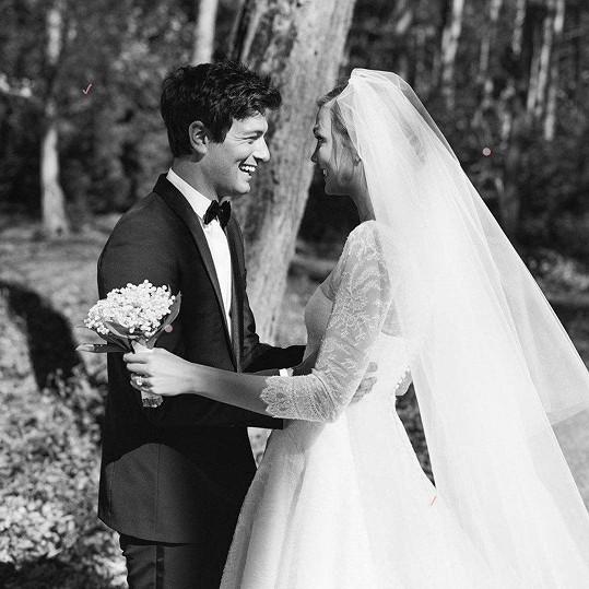 První svatba byla menší, proběhla v říjnu v New Yorku.