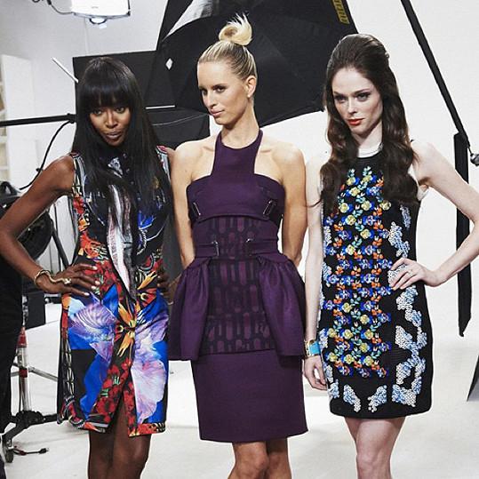 V soutěži Face s kolegyněmi Karolínou Kurkovou a Naomi Campbell
