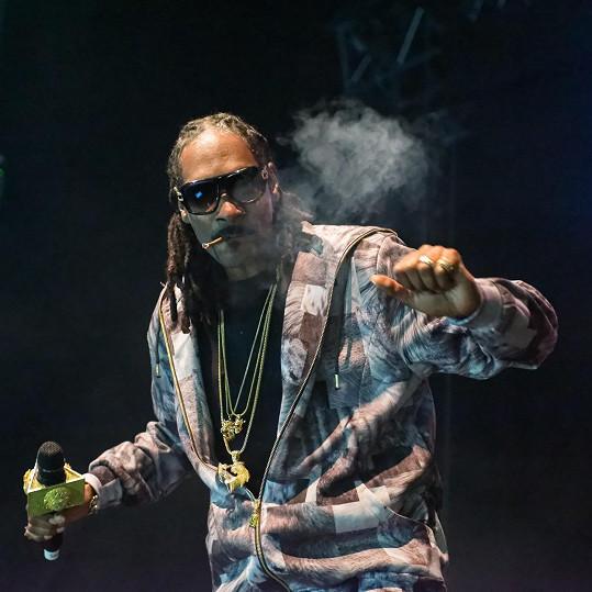 Snoop Dogg je vášnivým uživatelem marihuany.