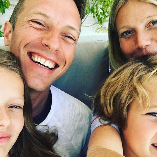 Gwyneth s bývalým manželem Chrisem Martinem a dětmi Apple a Mosesem