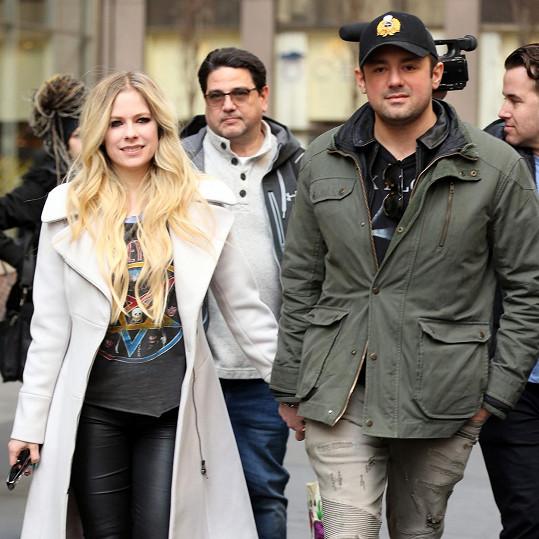 Avril ukončila v roce 2019 vztah s miliardářem Phillipem Sarofim.