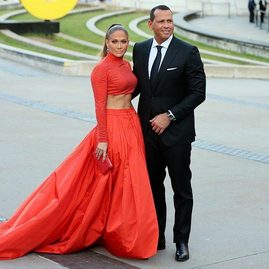 Zpěvačka se snoubencem Alexem Rodriguezem