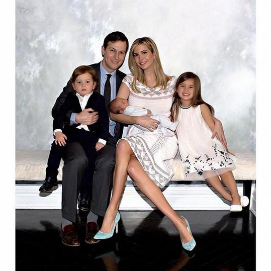 Ivanka Trump s manželem a jejich třemi dětmi