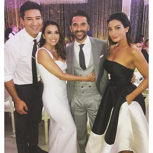 Hereččin kamarád Mario Lopez si událost rovněž nenechal ujít.