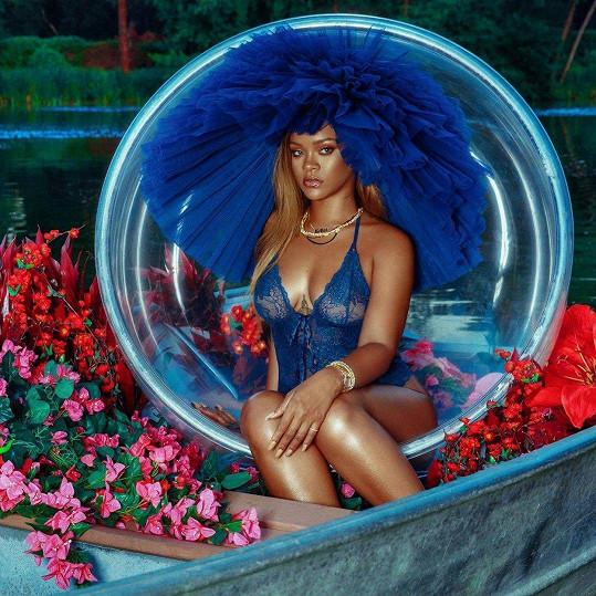 Rihanna vypadá ve spodním prádle božsky.