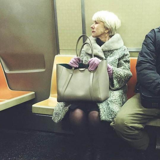 Helen v newyorském metru