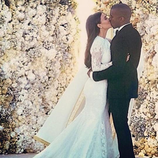 Manželka Kim Kardashian je nejspíš velmi tolerantní.