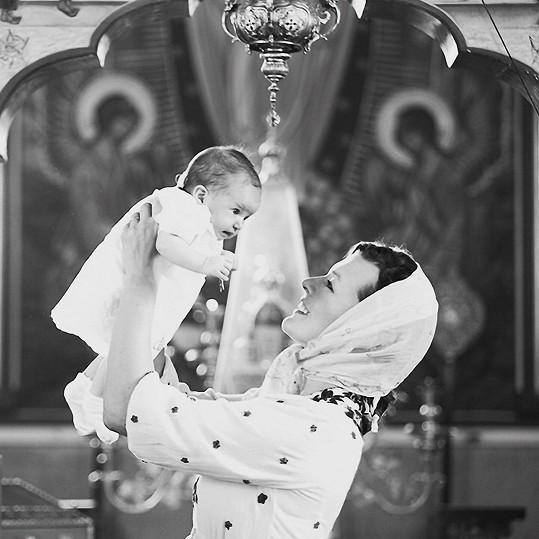 Milla s dvouměsíční dcerkou Dashiel