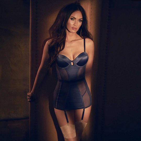 Megan Fox propůjčila tělo kampani na spodní prádlo.