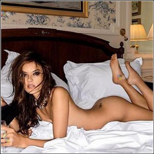 3. Post brazilské Venuše, topmodelky Alessandry Ambrosio (36): 'Noci v bílém saténu. Gute Nacht'.