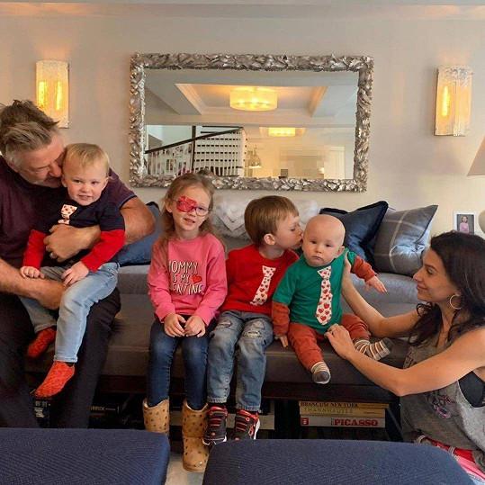 Alec a Hilaria spolu mají čtyři děti.