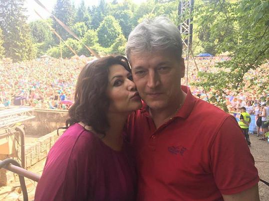 S manželem Radkem bude příští rok Ilona už deset let.