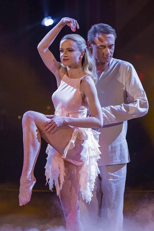 Jiří sice v mládí tančil, rozhodně se to ale s dnešním tancem nedá srovnávat.