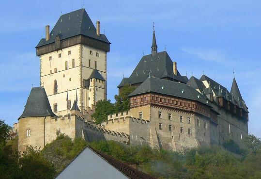 Hrad Karlštejn, který byl založen v roce 1348, zaujímá mezi českými hrady zcela výjimečné postavení.