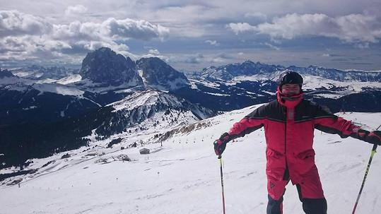 Daniel Hůlka relaxuje na horách. Po delší době si dopřál parádní zimní dovolenou.