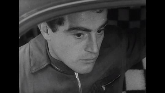 Tehdy třicetiletý Jan Tříska ztvárnil ve filmu jednoho z lupičů.