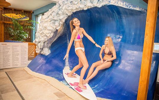 Modelky si v Tatrách dokonce zasurfovaly.