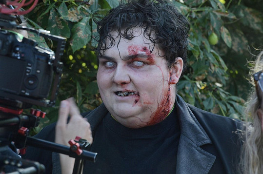 Při natáčení spotu k druhé řadě zombie seriálu Fear The Walking Dead
