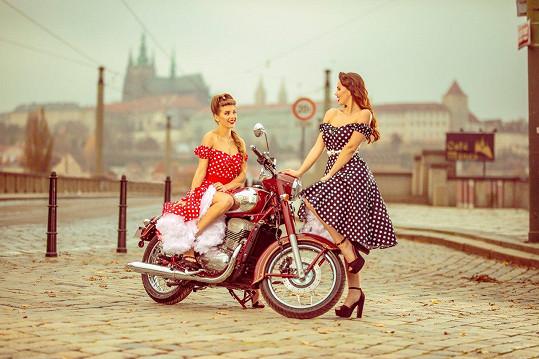 České modelky se díky kalendáři možná proslaví v Indii.