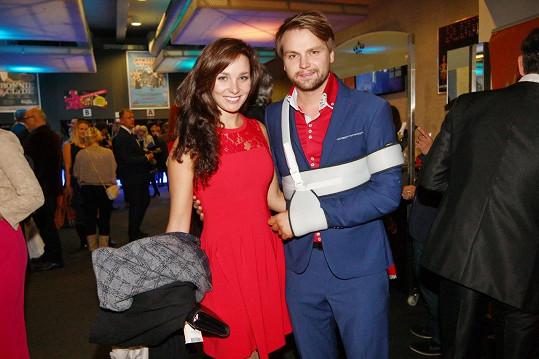 Pepa Vágner s partnerkou Marlene na premiéře muzikálu Bonnie a Clyde