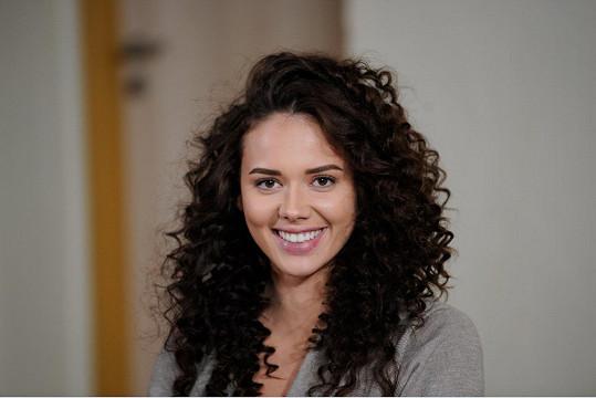 Zdeňkovu sestru, hlavní ženskou roli, si zahraje Gabriela Gášpárová.