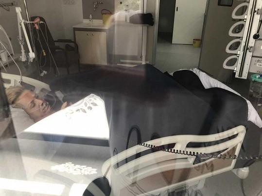 Hana Krampolová na jednotce intenzivní péče v tuniské nemocnici.