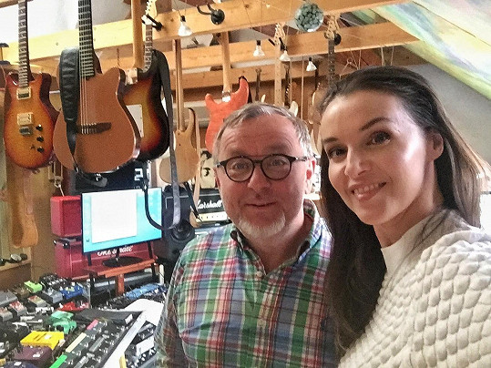 Iva a Michal ve studiu
