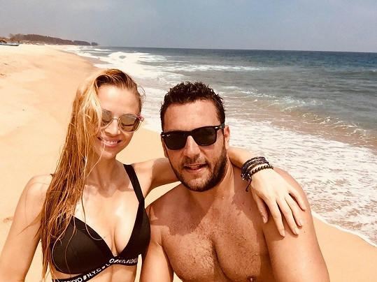 Michal Janotka s přítelkyní na Srí Lance.