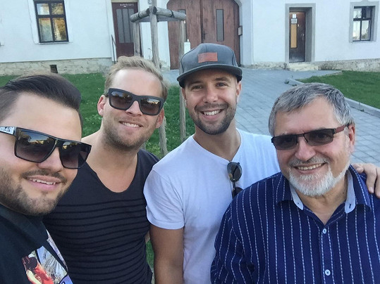 Ezy, Jakub a Franta s kamarádem