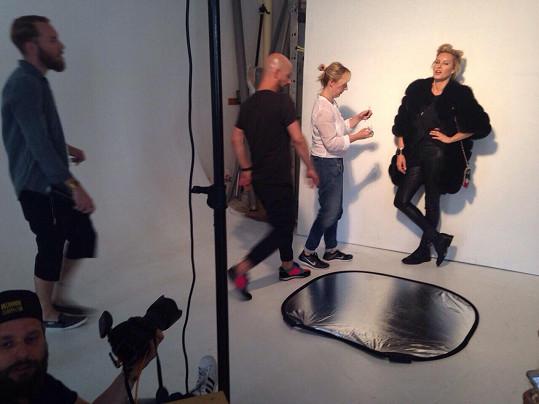 V kožiších s dlouhým chlupem naštěstí Simona fotila v klimatizovaném ateliéru.