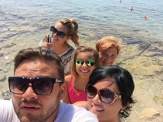 Ezy na dovolené v Řecku s rodinou a přáteli
