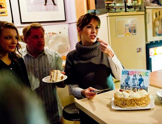 Na oslavu 100 000. diváka si dala i dort, ten narozeninový to ale ještě nebyl.