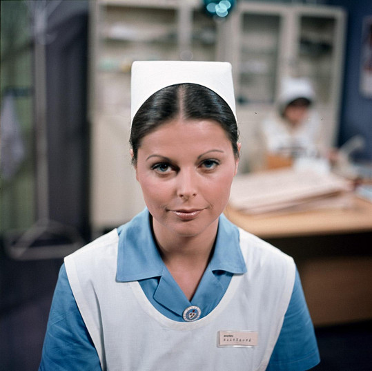 Andrea Čunderlíková jako Ina v seriálu Nemocnice na kraji města