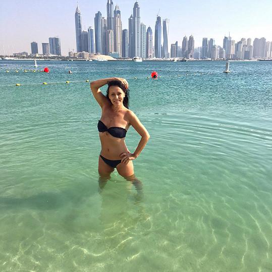 Ráchala se v moři v Dubaji.