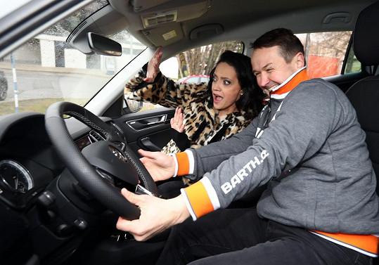 Lucka s Vlastou v autě.