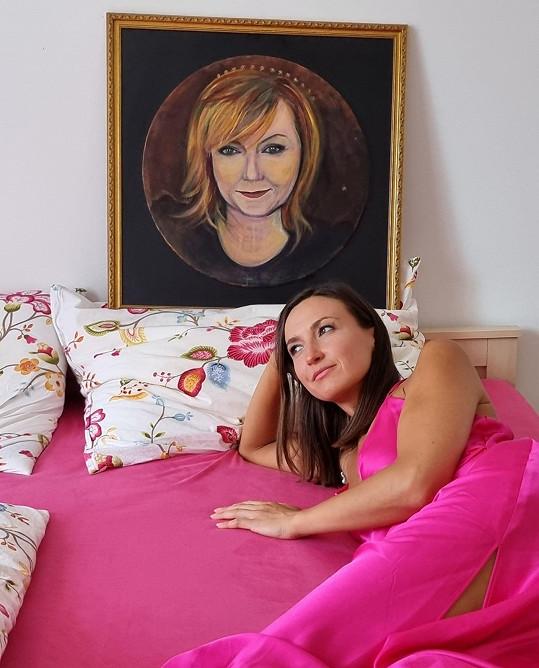 S Alenou Schillerovou se zvěčnila malířka v posteli.