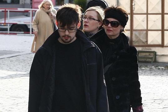 Jako první přišla Simona Postlerová s rodinou.