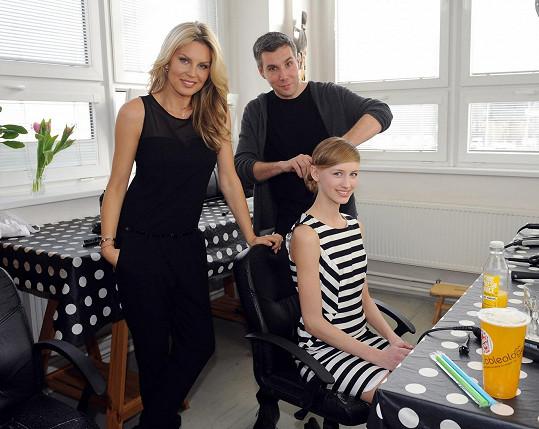Se Simonou fotila kampaň vítězka posledního ročníku Nikola Krůželová.