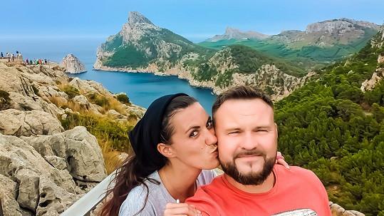 Veronika se snoubencem na dovolené letos v lednu