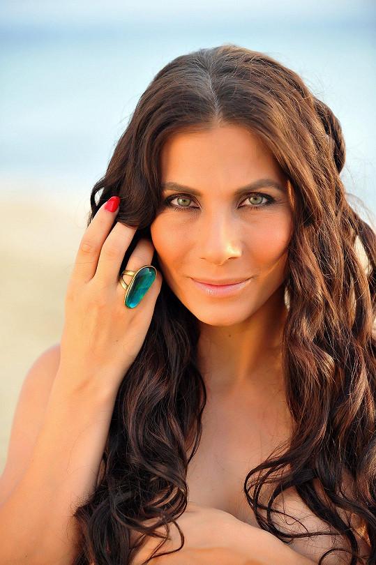 Eva Decastelo fotila pro beauty salon.