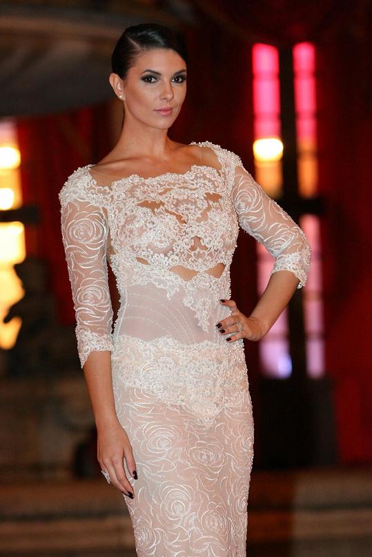 Při výběru šatů, líčení a vlasového stylingu se Soňa inspirovala stylem Kim Kardashian.